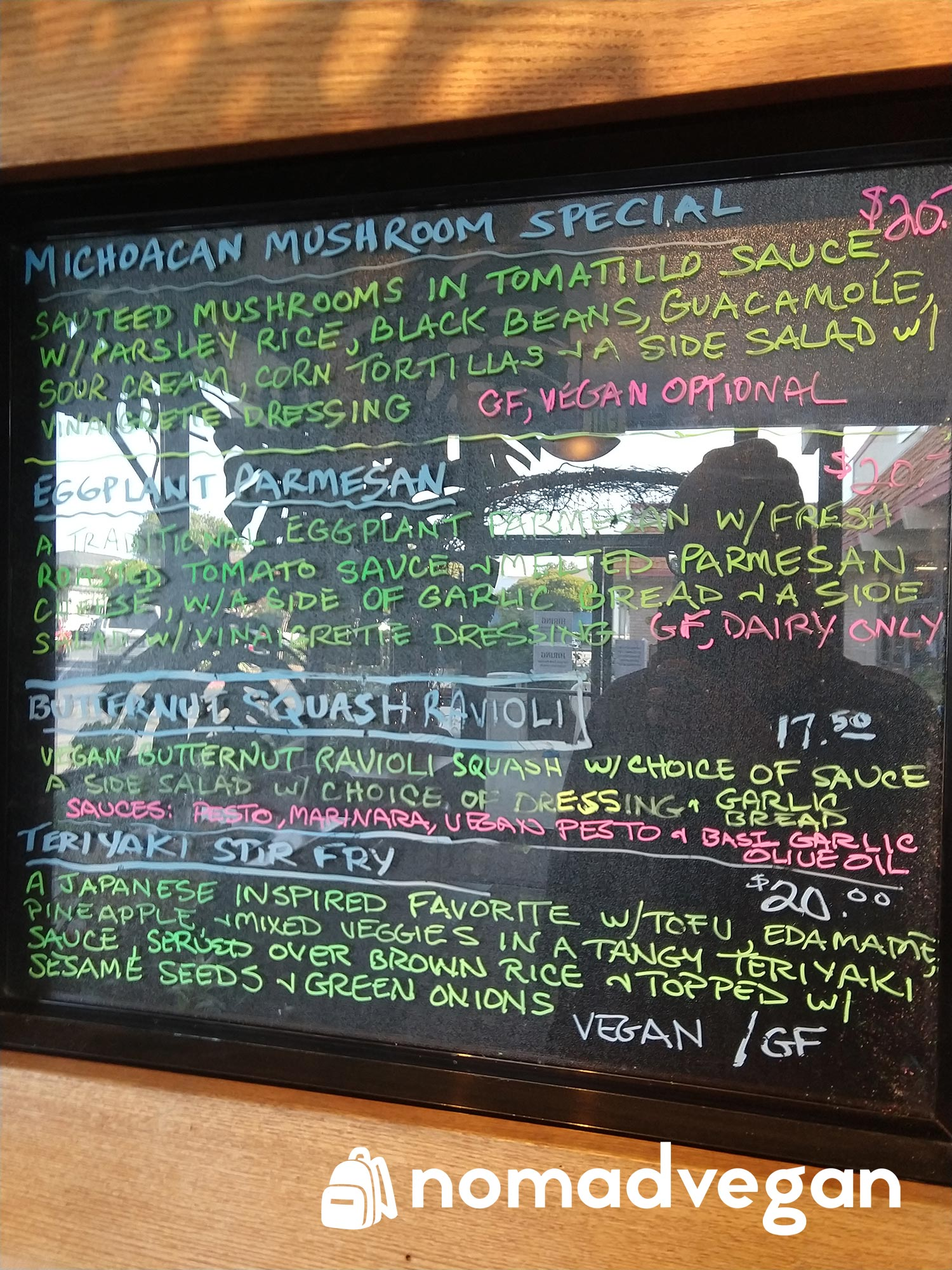 Dharmas Capitola vegan options